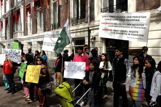 Pakistani Christians protest in Holland May 2009
